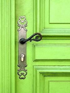 lime_green_door_with_beautiful_door_knob-4842